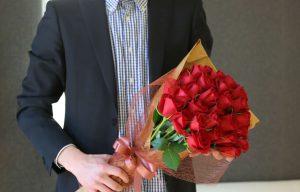 誕生日にお花を贈呈